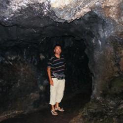Edi in der Lavahöhle