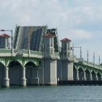 die Brücke von St. Augustine schließt sich hinter uns