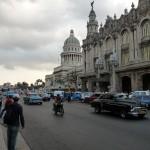 alte Autos prägen das Stadtbild