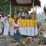 Zeremonie am Straßenrand